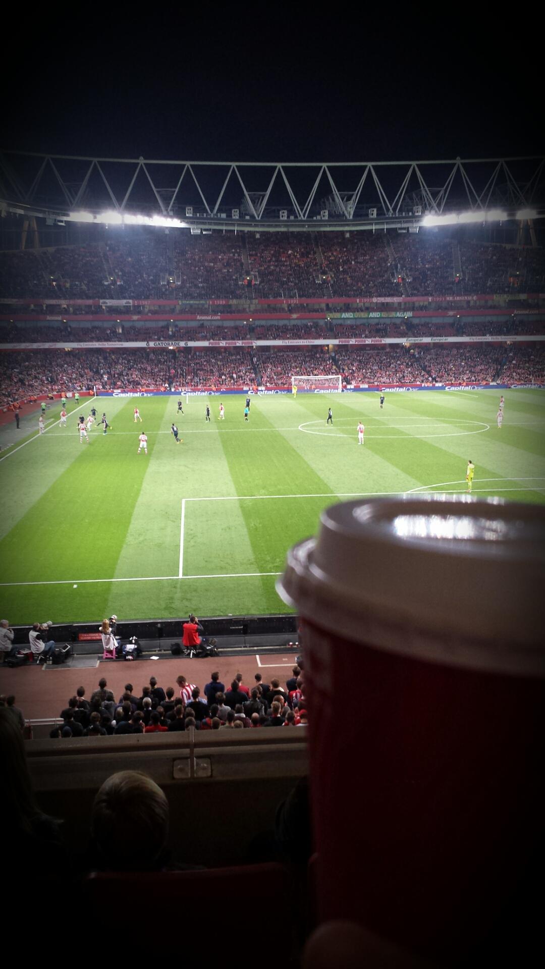 Full action ute i fotbollseuropa, fokus på Carling Cup