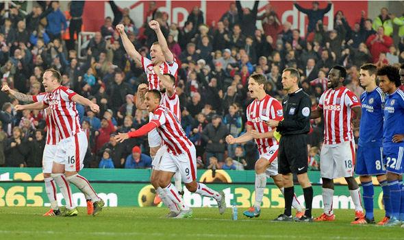 Favoritfall. Chelsea förlorade mot Stoke efter straffsparksläggning. Foto: Express.co.uk